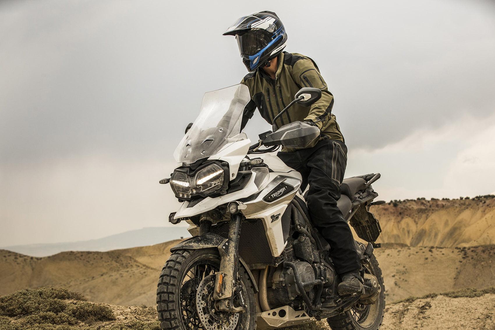 Nový model Tiger 1200 spravil významné pokroky z hľadiska inžinieringu a technologických vylepšení – výsledkom je motocykel s lepšou odozvou, ktorý dokáže skombinovať maximálny zážitok zjazdy na ceste a úplnú…