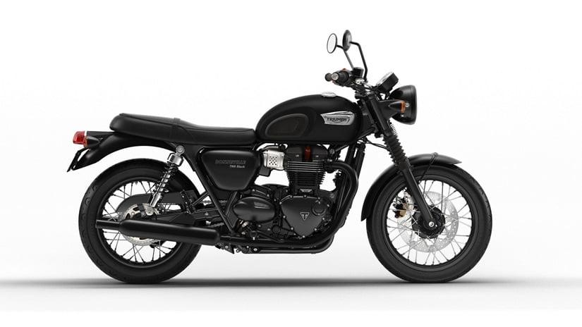 Triumph Bonneville T100 black  Farba: matná čierna  Stav km: 0  Cenníková cena 9 996,- € pri financovaní cez ČSOB leasing alebo úver 9 306,- €  Akciová cena pri platbe vhotovosti 9 496,- €  Pri kúpe…