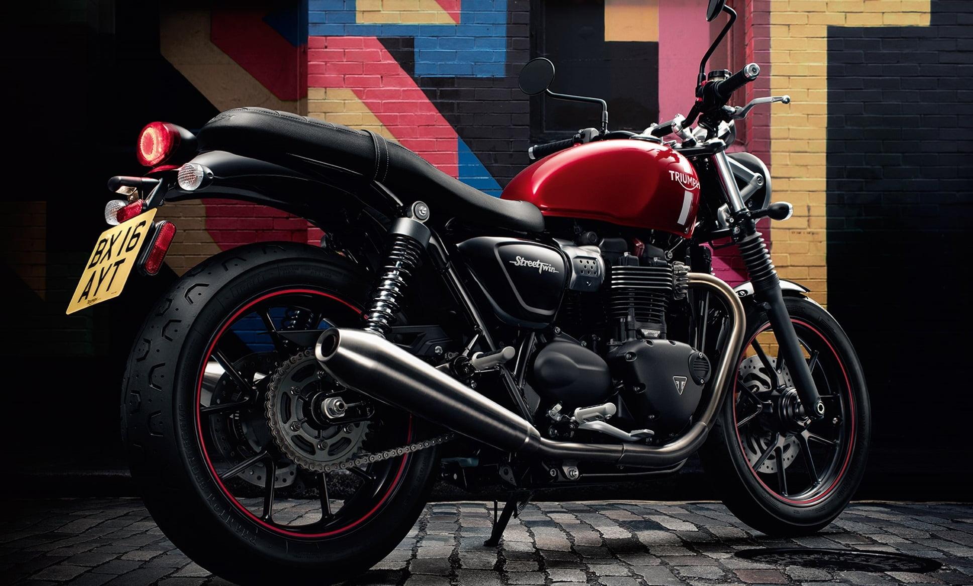 K dispozícii: Street Twin farba červená 1ks a farba matná čierna 1ks už od 7794,-EUR  Cenníková cena 9 204, – €  pri financovaní cez ČSOB leasing alebo úver 7 794, – €  Akciová…