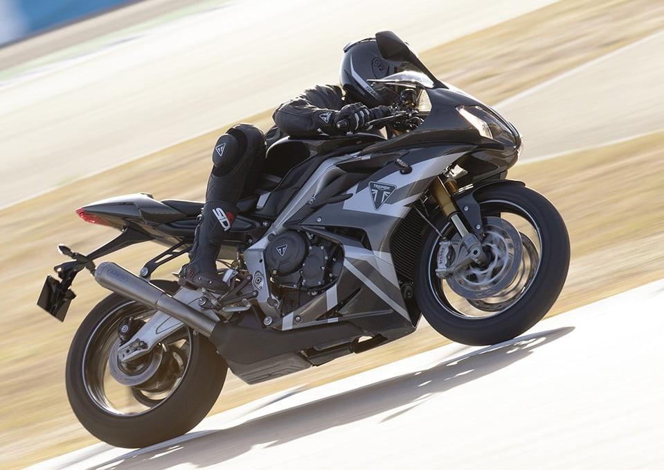 Daytona Moto2 ™ 765 Limitid edition – výnimočná, špeciálna a unikátna  Limitovaná séria – každý motocykel má svoje individuálne pridelené číslo. Produkcia bude obmedzená na 765 kusov pre USA a Kanadu…