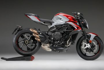 2020-MV-Agusta-Brutale-800-RR-SCS-First-Look-sport-motorcycles-quickshifter-autoclutch-7
