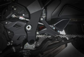 2020-MV-Agusta-Dragster-800-RR-SCS-First-Look-sport-motorcycles-quickshifter-autoclutch-2