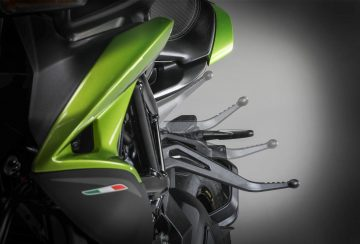 2020-MV-Agusta-Dragster-800-RR-SCS-First-Look-sport-motorcycles-quickshifter-autoclutch-3